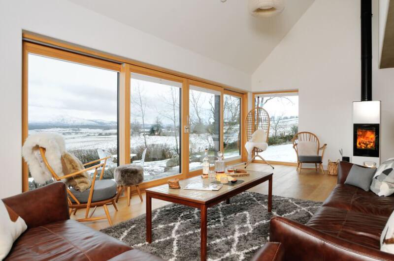 living room of Tom's Lodge
